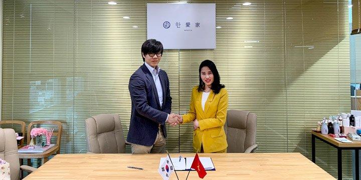 BlueSea và đại diện giấm lên men Hanega ký hợp tác